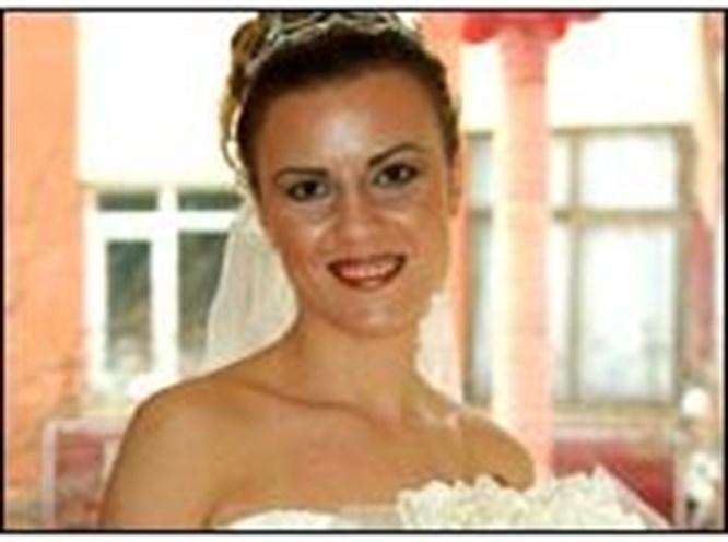 e-kolay.net'in şanslı gelini evlendi